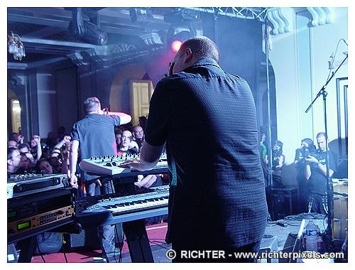 Photos du DARK CASTLE FESTIVAL RICHTER-DC2009-SuicideCommando3
