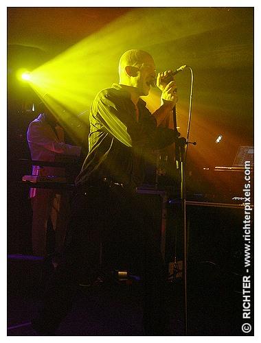 Photos du dernier concert parisien de TRISOMIE 21 RICHTER-WaitingForWords2009-04