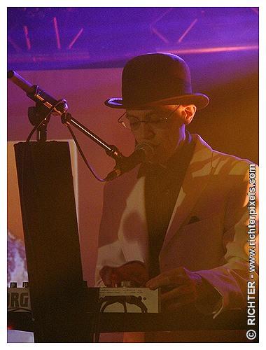 Photos du dernier concert parisien de TRISOMIE 21 RICHTER-WaitingForWords2009-05